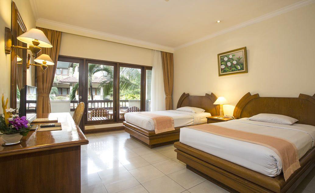 Parigata Resort & Spa 4****, pláž Sanur